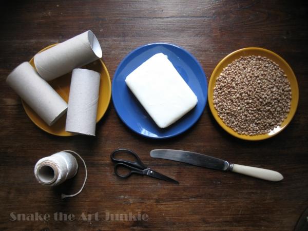 Karmnik materiały